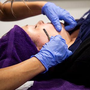 Exfoliating Dermaplane Facial